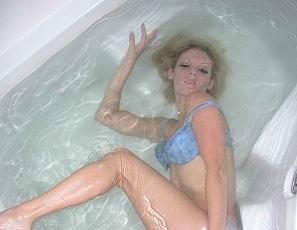 Girls underwater bathtub Music teacher